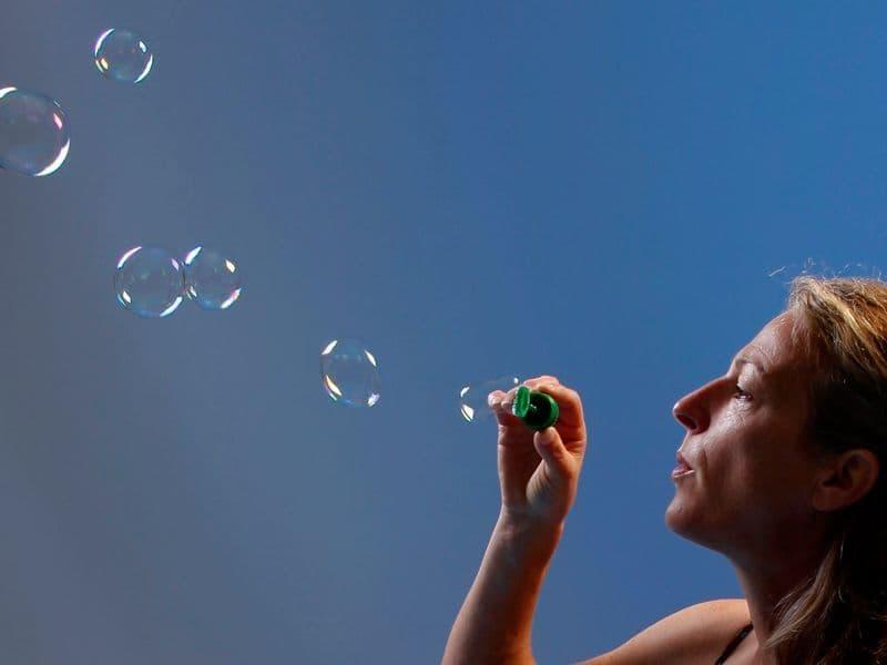 Mit Seifenblasen